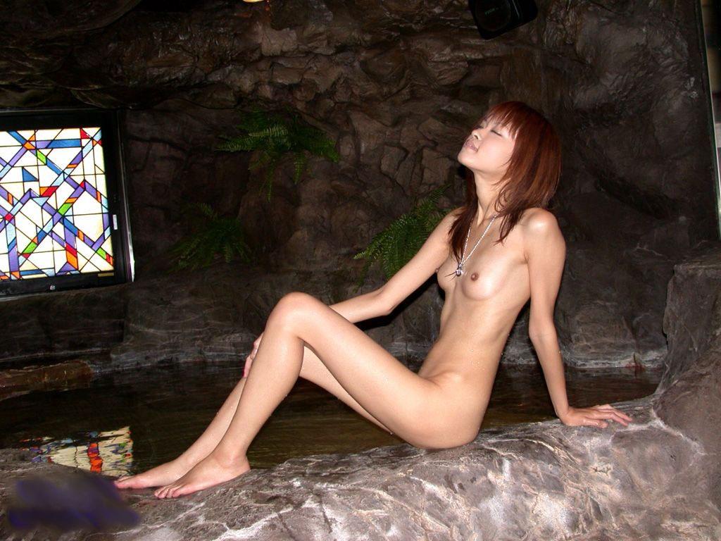 【ガリガリエロ画像】ちゃんと食べてるのか心配になるぐらい細い女の子ってwww 27