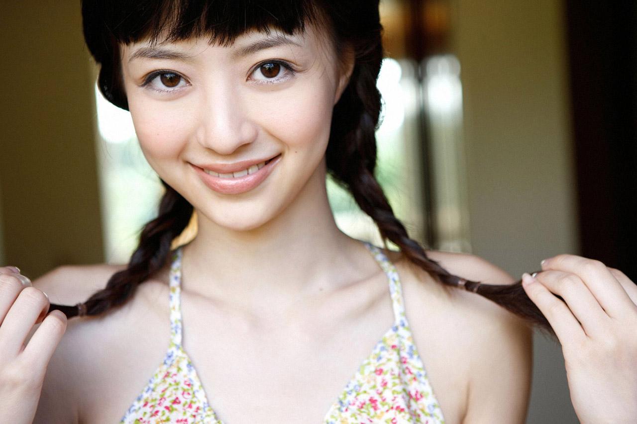 【三つ編みエロ画像】純朴そうな三つ編み女子のおっぱいに大興奮www 14