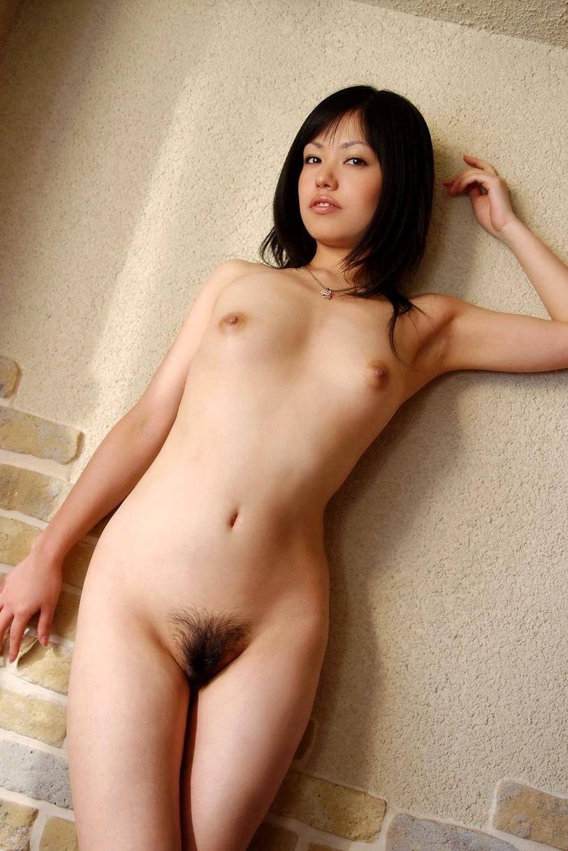 【ヘアヌードエロ画像】陰毛の具合が絶妙にエロい美麗フルヌード画像まとめ! 21