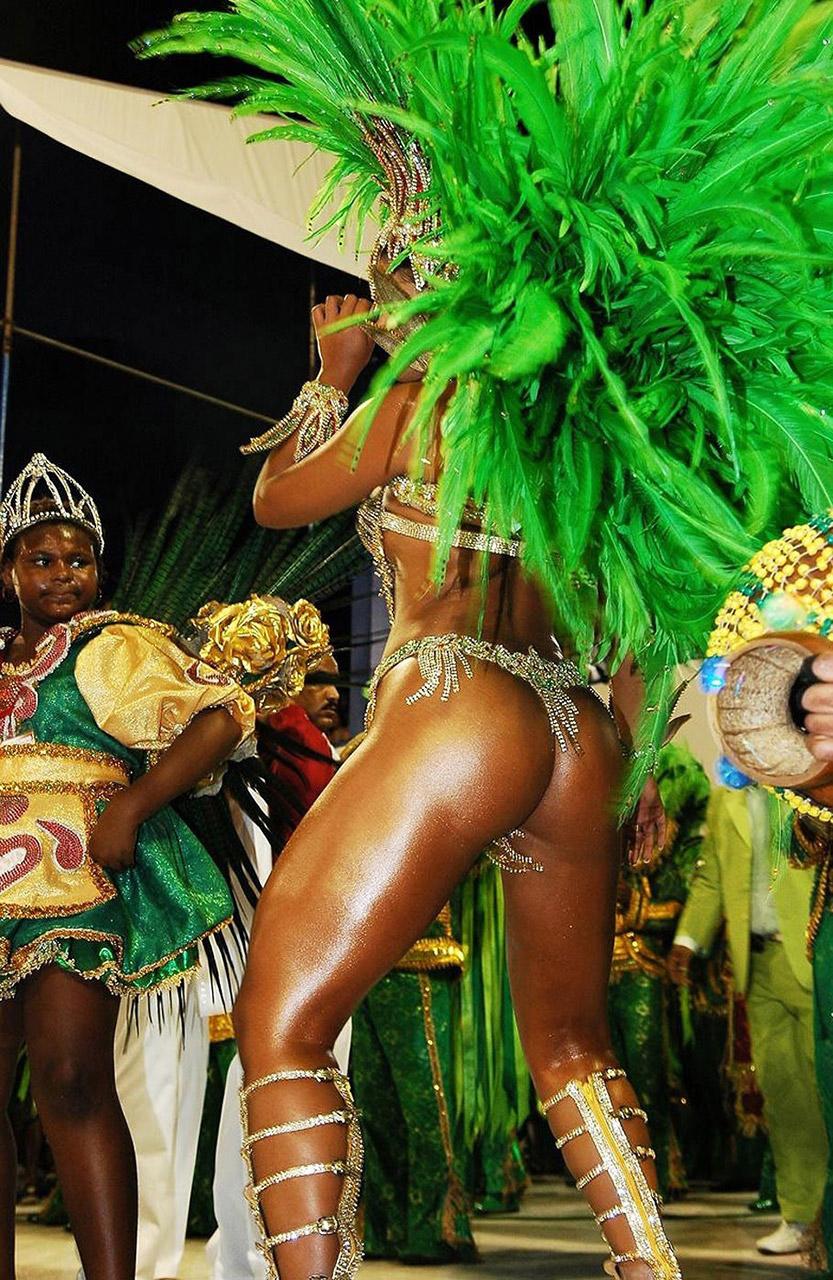 【南米エロ画像】サンバで鍛えられた南米のお姉さんたちの巨尻が素晴らしいwww 07