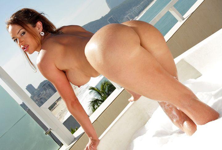 【南米エロ画像】サンバで鍛えられた南米のお姉さんたちの巨尻が素晴らしいwww 10