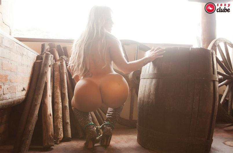 【南米エロ画像】サンバで鍛えられた南米のお姉さんたちの巨尻が素晴らしいwww 17