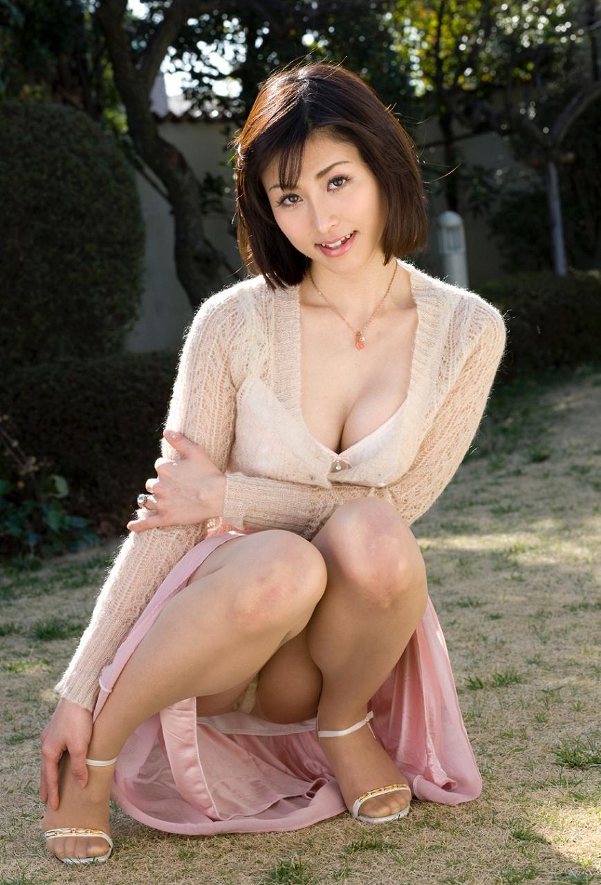 【熟女エロ画像】熟れた女性が肉欲を抑えきれずに発する本物の色気が最強!!! 14