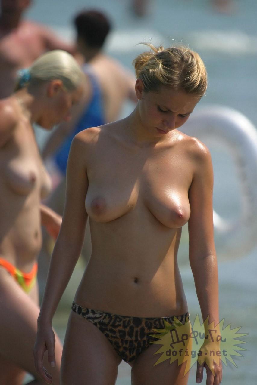 【海外エロ画像】どうして日本にはヌーディストビーチがないんだよ!!! 11