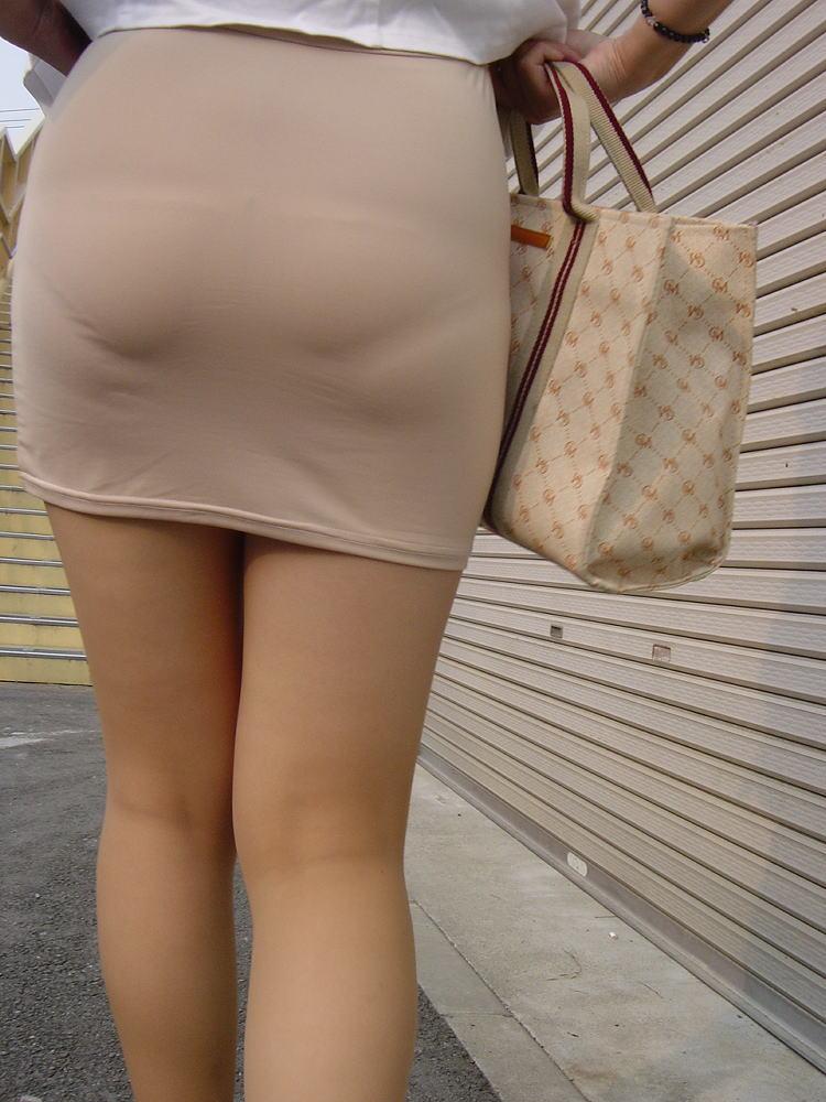 【美尻エロ画像】ピッチリとパンティーが張り付いている感じのお尻って可愛いよなwww 28
