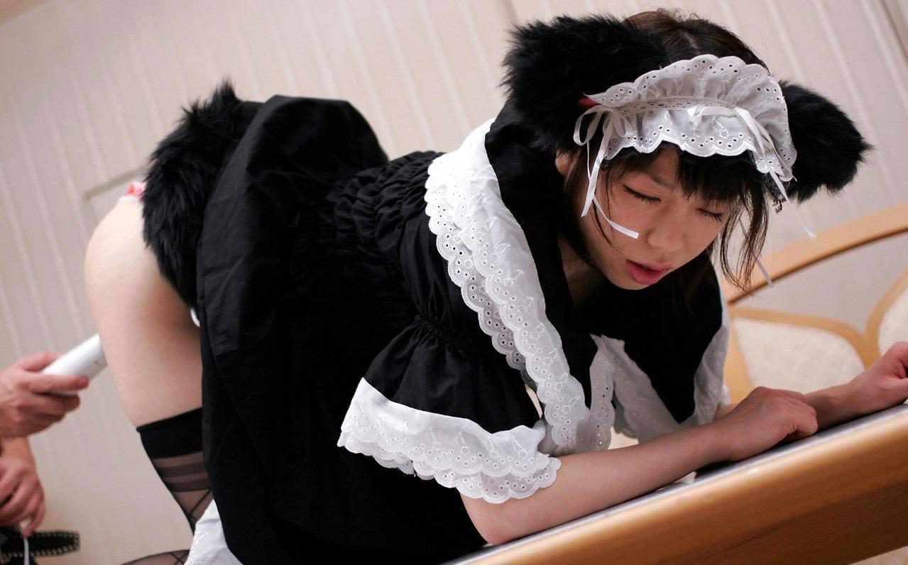 【メイドエロ画像】エロメイドにお仕置きしたくなるコスプレ画像まとめ! 15