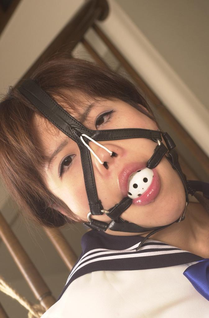 【鼻フックエロ画像】SMなのかネタなのか、そもそも抜けるのかも謎の鼻フック画像まとめ!w 16