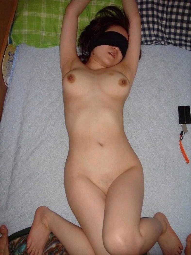 【ハメ撮りエロ画像】今年こそはギャルとセックスするという夢を叶えるんだ! 11