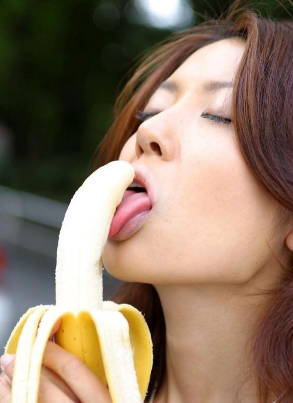 【舌エロ画像】この舌が亀頭や竿をベロベロチロチロ刺激してくれるのです!!!