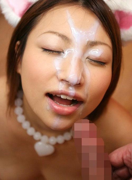 【事後エロ画像】セックスして紅潮している肌にぶっかけられて余計に感じちゃうぅぅん! 18