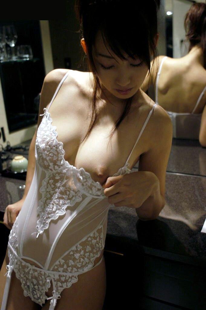 【下着エロ画像】ただの下着ヌードなのにやたらとエロいスタイル抜群の美女まとめ! 15