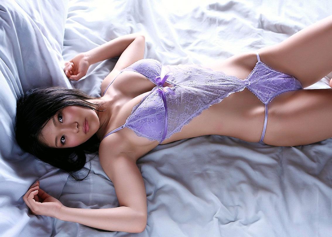 【下着エロ画像】ただの下着ヌードなのにやたらとエロいスタイル抜群の美女まとめ! 18