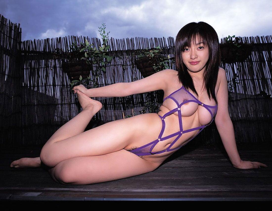 【下着エロ画像】ただの下着ヌードなのにやたらとエロいスタイル抜群の美女まとめ! 23