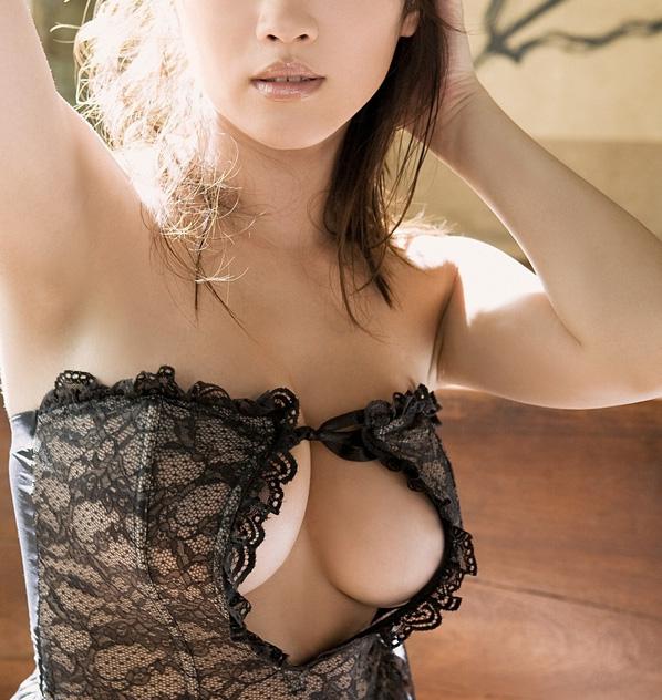 【下着エロ画像】ただの下着ヌードなのにやたらとエロいスタイル抜群の美女まとめ! 37