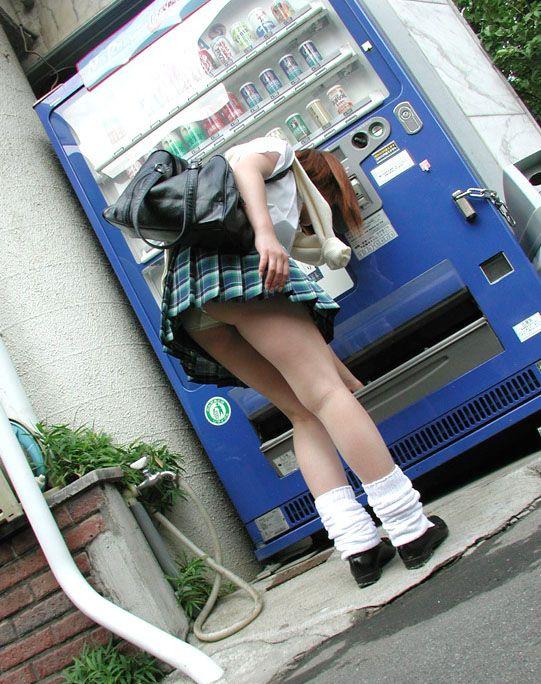 【制服エロ画像】JKコスしてブラジャーやパンティーを見せてくるとか反則www 06