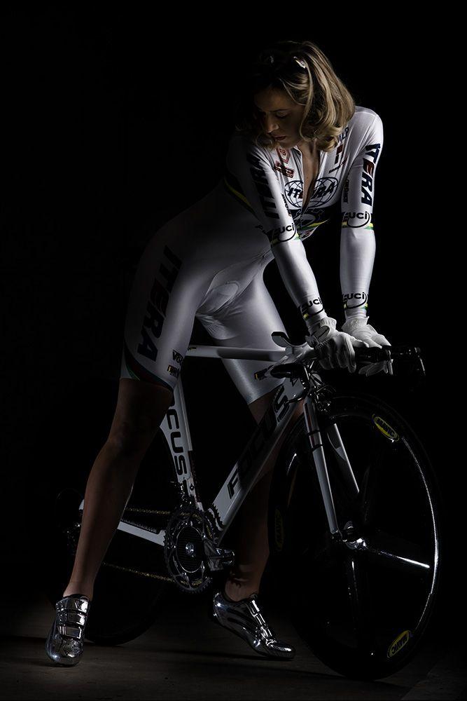 【自転車エロ画像】ただただ自転車に乗っている女の子が可愛いというだけの画像まとめ! 21