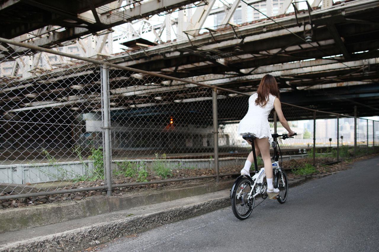 【自転車エロ画像】ただただ自転車に乗っている女の子が可愛いというだけの画像まとめ! 22