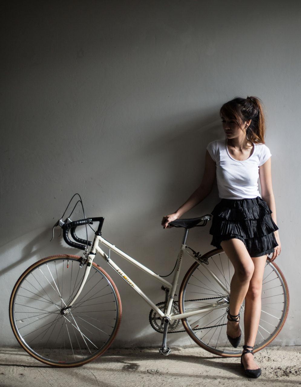 【自転車エロ画像】ただただ自転車に乗っている女の子が可愛いというだけの画像まとめ! 23