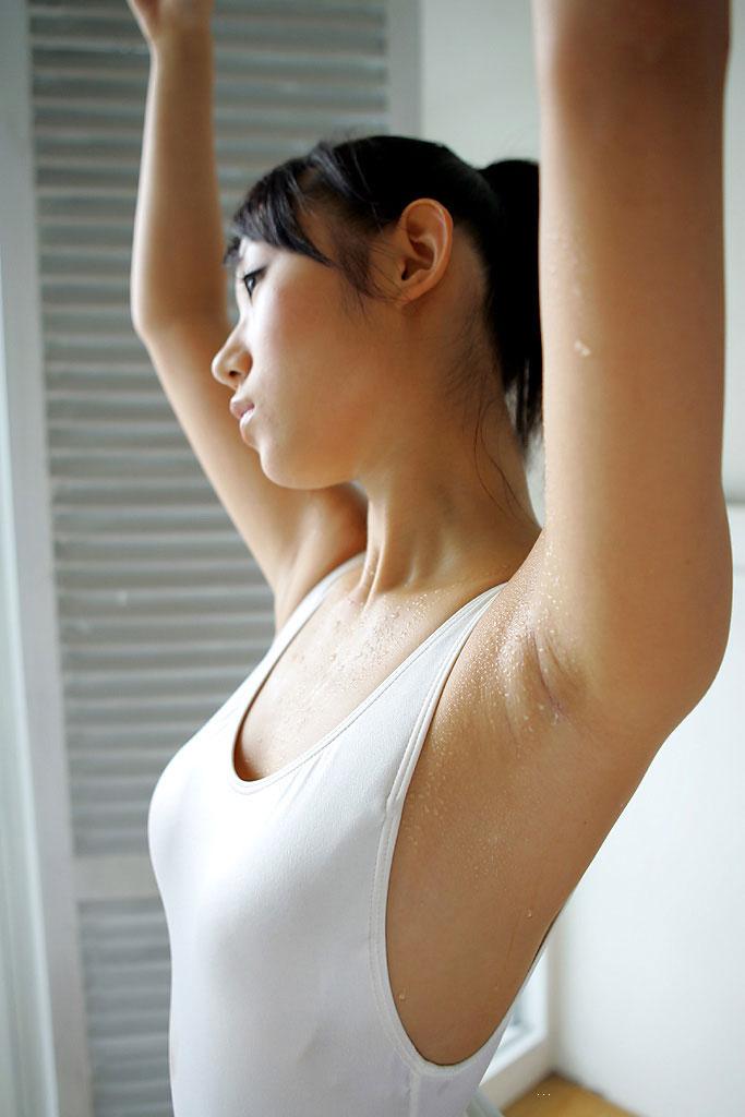 【腋エロ画像】毛の処理がバッチリされている腋が醸し出す妖艶なエロスwww 04