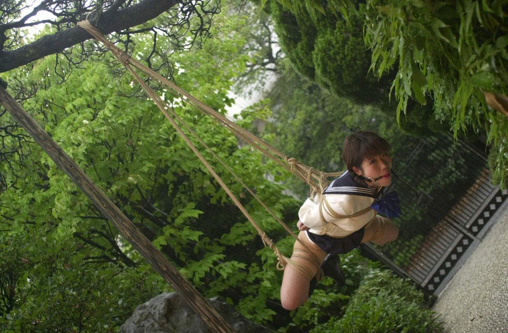 【緊縛エロ画像】ドMな彼女ができたときのために緊縛画像で勉強しておこう! 14