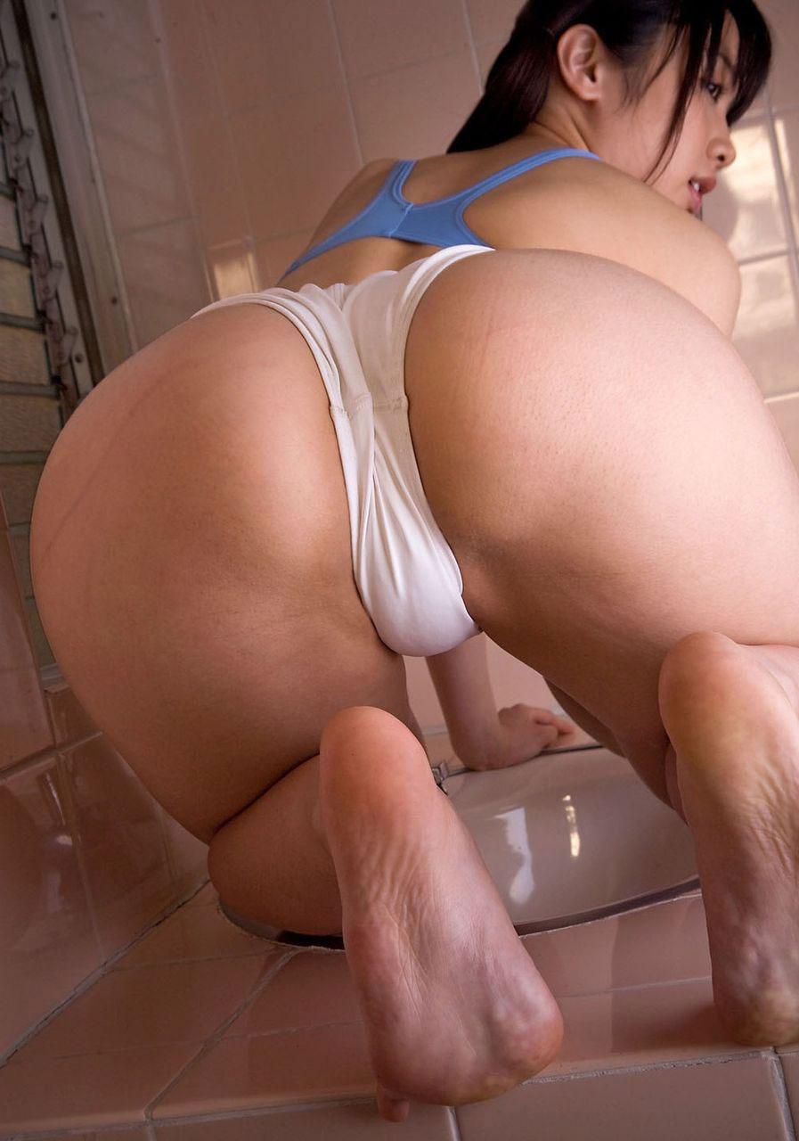【美尻エロ画像】強烈にセックス欲を刺激してくる美尻画像を見て忍耐力を鍛えよう! 08