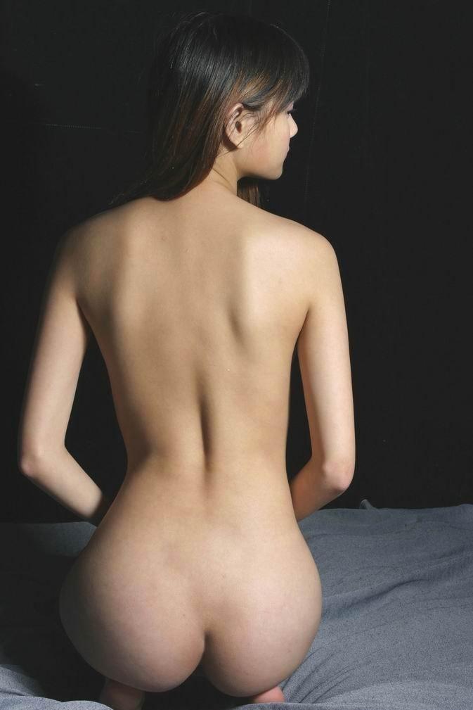 【美尻エロ画像】アナルセックス願望が凄いから叩きたくなる系のお尻を落ち着いておくwww 15