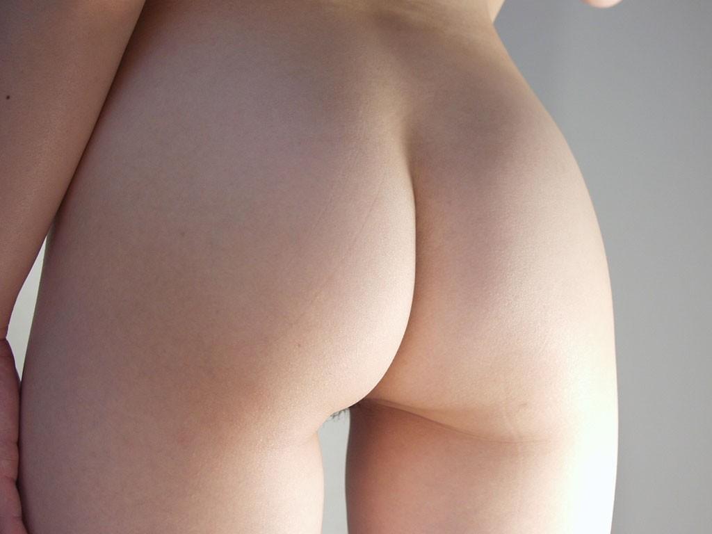 【美尻エロ画像】アナルセックス願望が凄いから叩きたくなる系のお尻を落ち着いておくwww 32