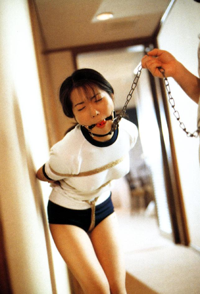 【首輪エロ画像】ペットのように首輪をされて所有物にされてしまった美女たちwww 06
