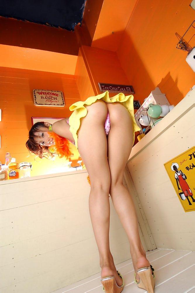【太股エロ画像】膝枕してモフモフしたくなるムッチリ太ももまとめ! 06