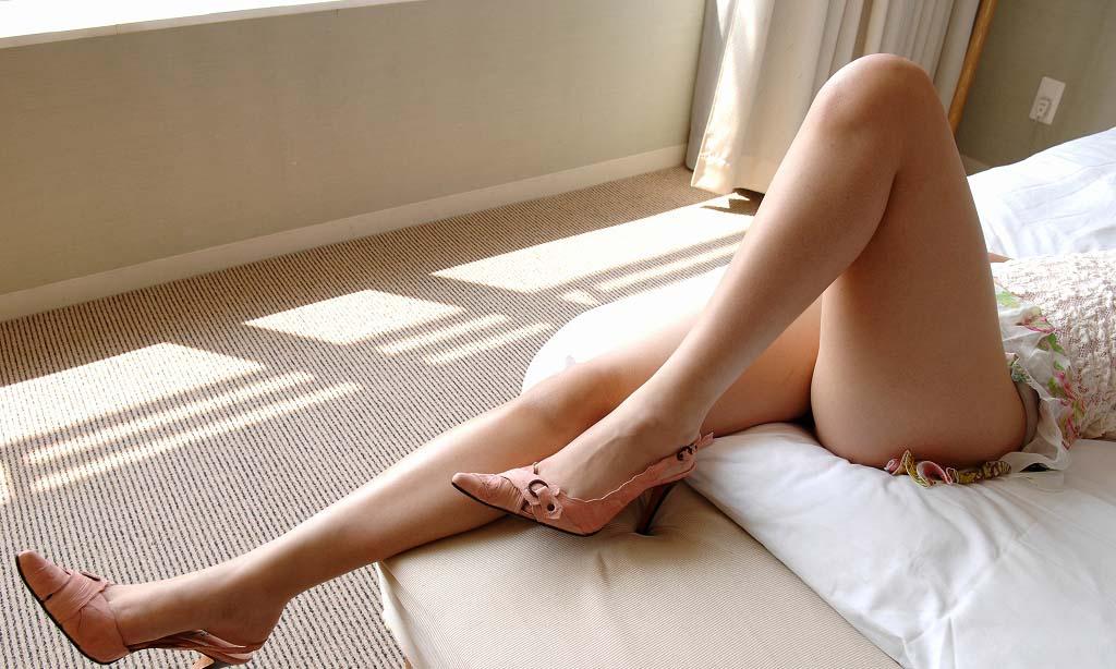 【太股エロ画像】膝枕してモフモフしたくなるムッチリ太ももまとめ! 08