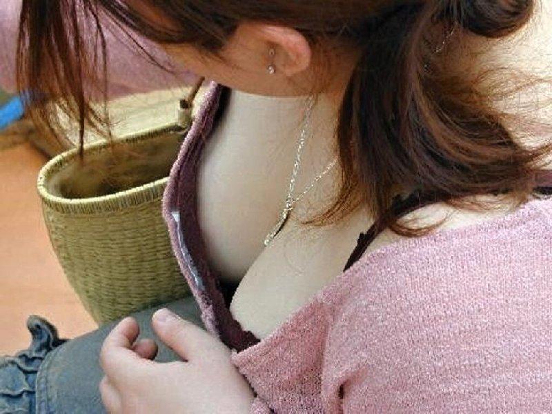 【谷間エロ画像】あと数ヶ月もすれば薄着の素人さんが街中に溢れると思うと胸熱www 12