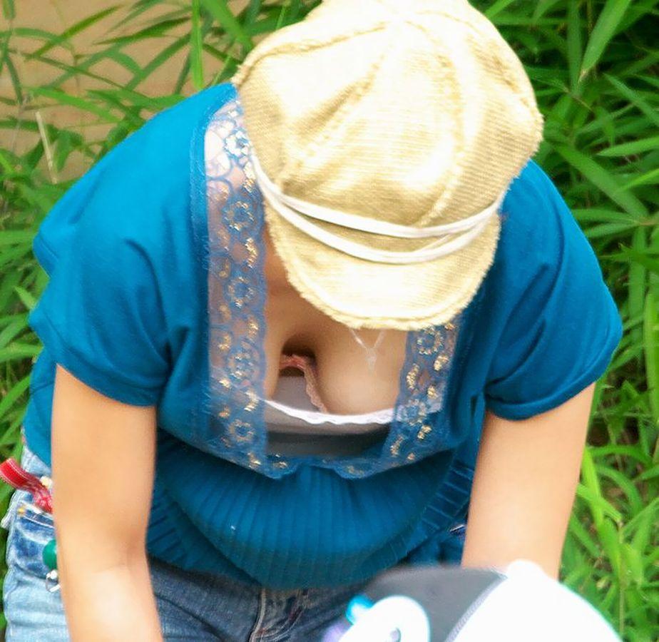 【谷間エロ画像】あと数ヶ月もすれば薄着の素人さんが街中に溢れると思うと胸熱www 23