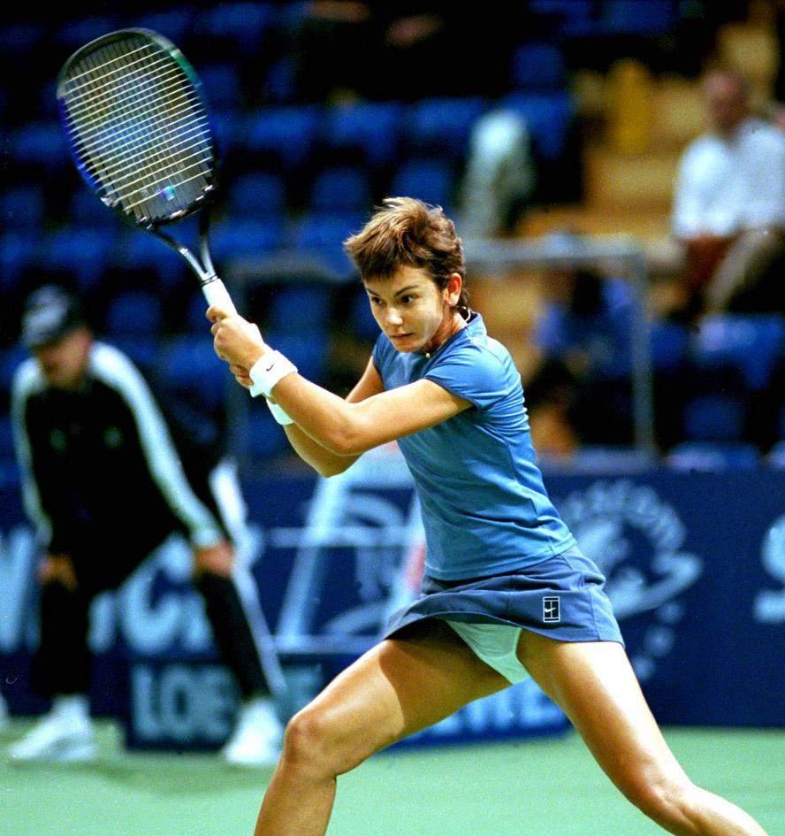 【コスプレエロ画像】テニスウェアの清純さにエロスを感じずにはいられないwww 10
