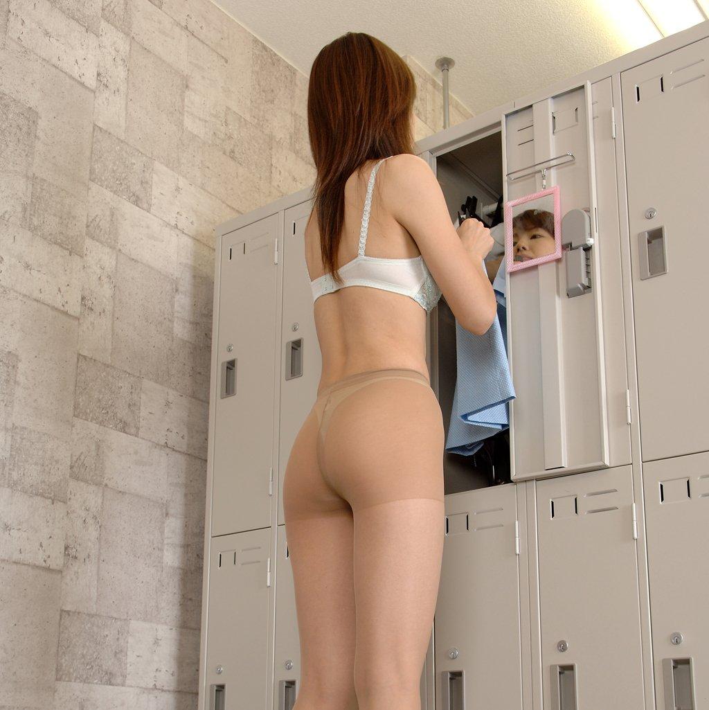 【パンストエロ画像】ストッキングにしっかりと包まれた美尻が破いて欲しいと言っている!w 05