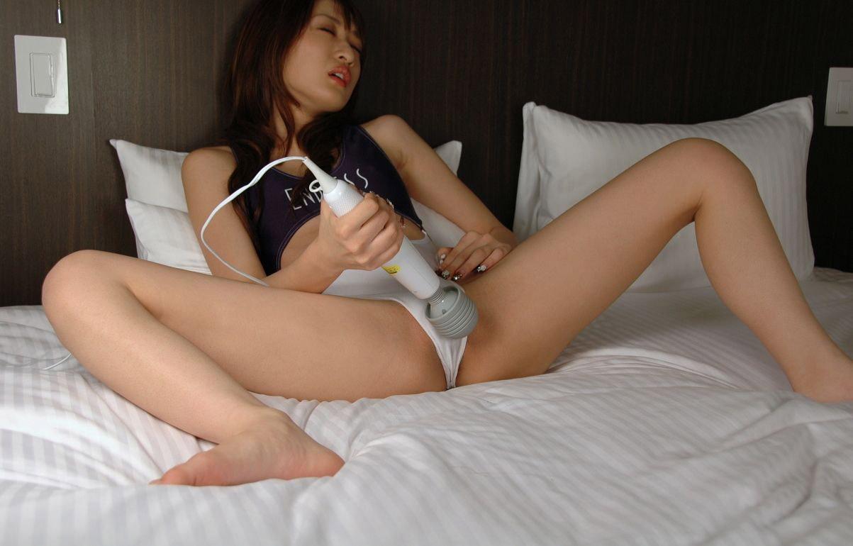 【電マエロ画像】どんな女の子もイチコロにしてしまうイケメンこと電マさんの活躍風景www 06