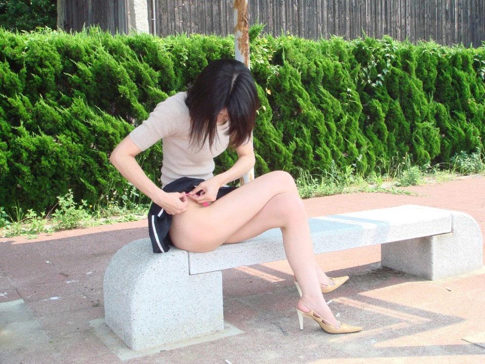 【美脚エロ画像】どうして美脚ってだけでこんなにもガチガチに勃起してしまうのだろうか? 03