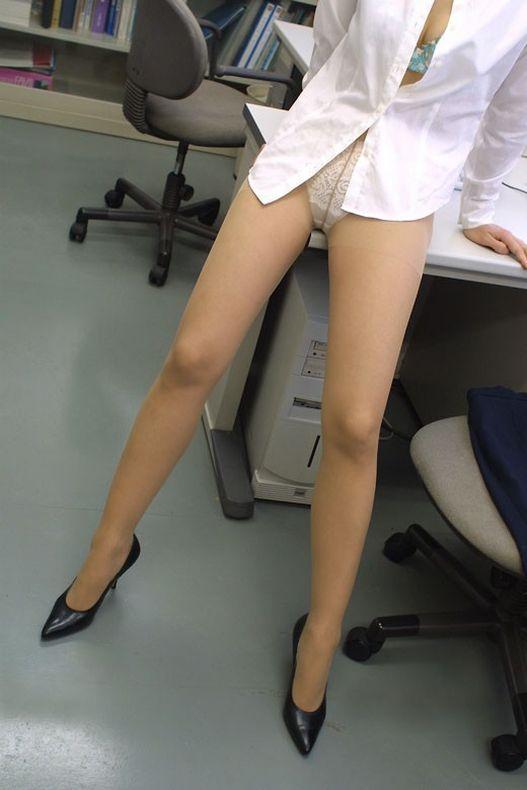 【美脚エロ画像】どうして美脚ってだけでこんなにもガチガチに勃起してしまうのだろうか? 10