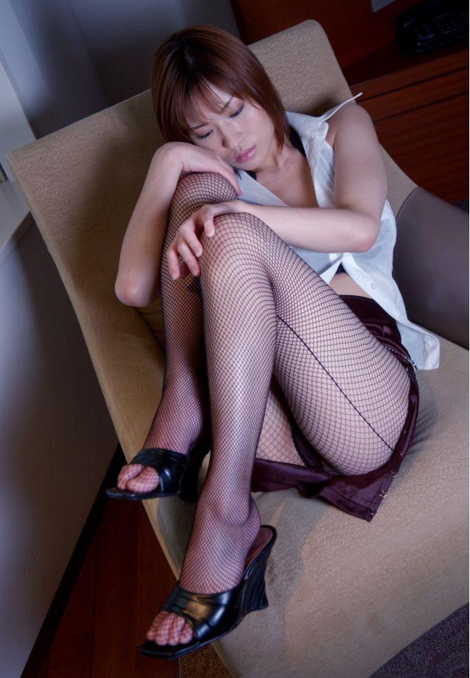 【美脚エロ画像】どうして美脚ってだけでこんなにもガチガチに勃起してしまうのだろうか? 15