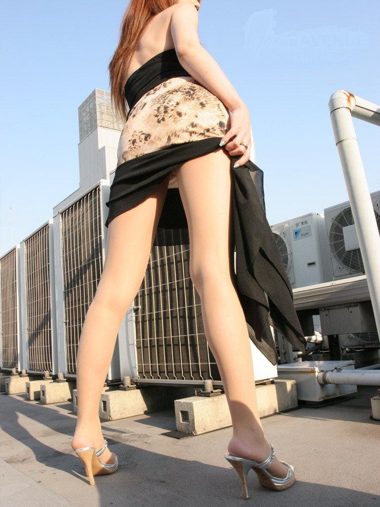 【美脚エロ画像】どうして美脚ってだけでこんなにもガチガチに勃起してしまうのだろうか? 32