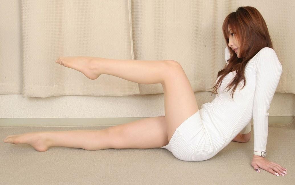 【美脚エロ画像】どうして美脚ってだけでこんなにもガチガチに勃起してしまうのだろうか? 33