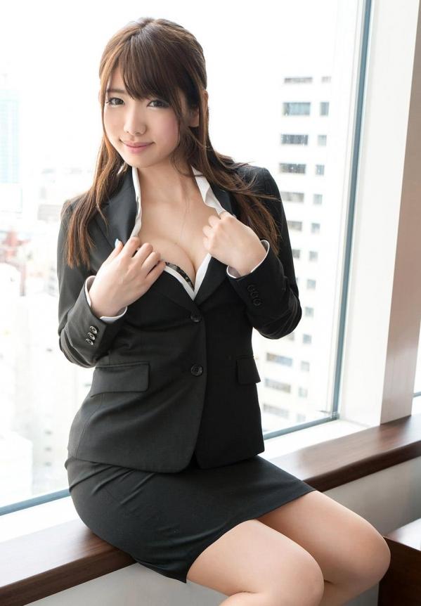 【OLエロ画像】スーツ姿の女性ってそれだけでエロく見えるよなwww 05