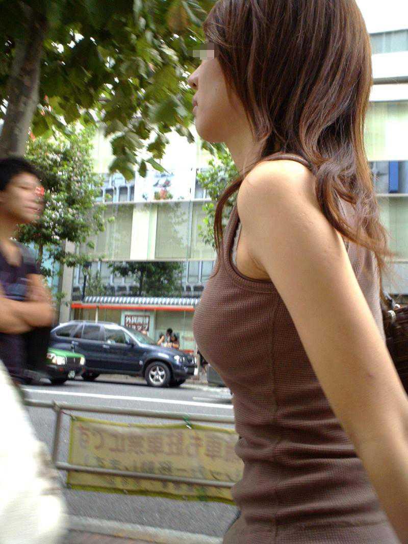 【巨乳エロ画像】素人にしておくのはもったいないレベルの巨乳ちゃんたちを街撮り! 13