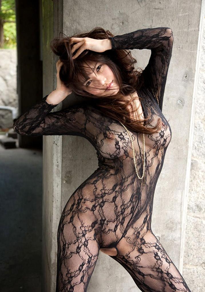 【透けエロ画像】ドストレートなのに全裸とは違うエロスがあるスケスケ画像まとめ! 08