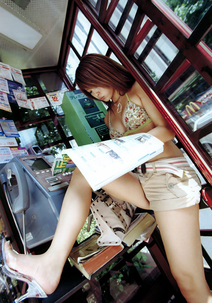 【美脚エロ画像】網タイツで複雑な気分になったから普通の美脚で抜いておくwww 06