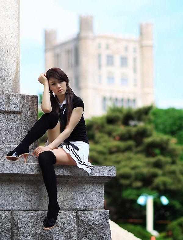 【エロ画像】クールビューティー系のお姉さんに見下されるのが大好きです! 29