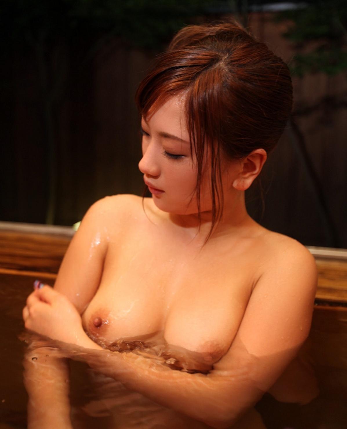 【風呂エロ画像】寒い季節じゃなくても女の子と風呂入りたくなるもんだなwww 20