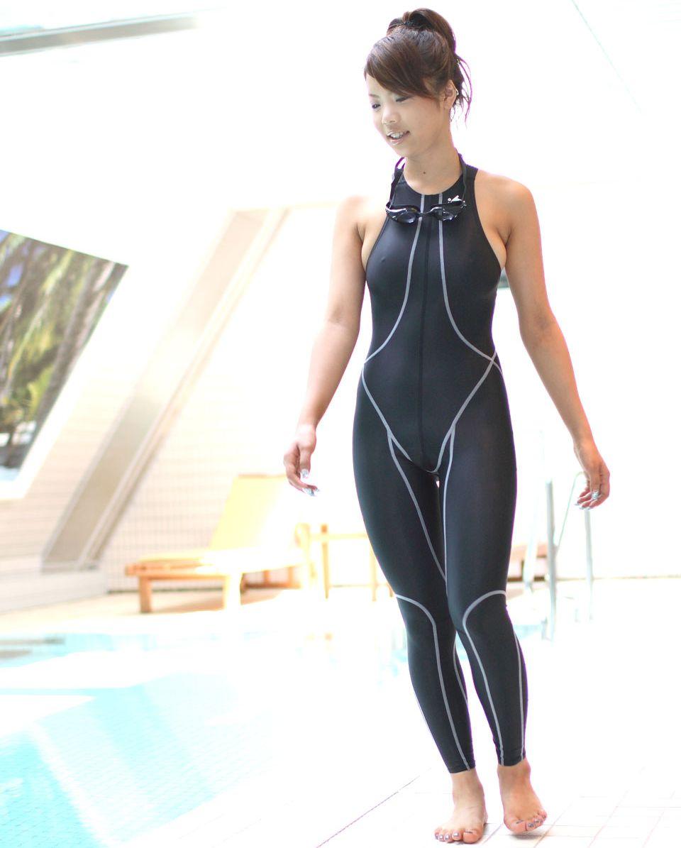 【競泳水着エロ画像】競技用のガチ水着のはずなのにエロく見える競泳水着ってどうなのwww