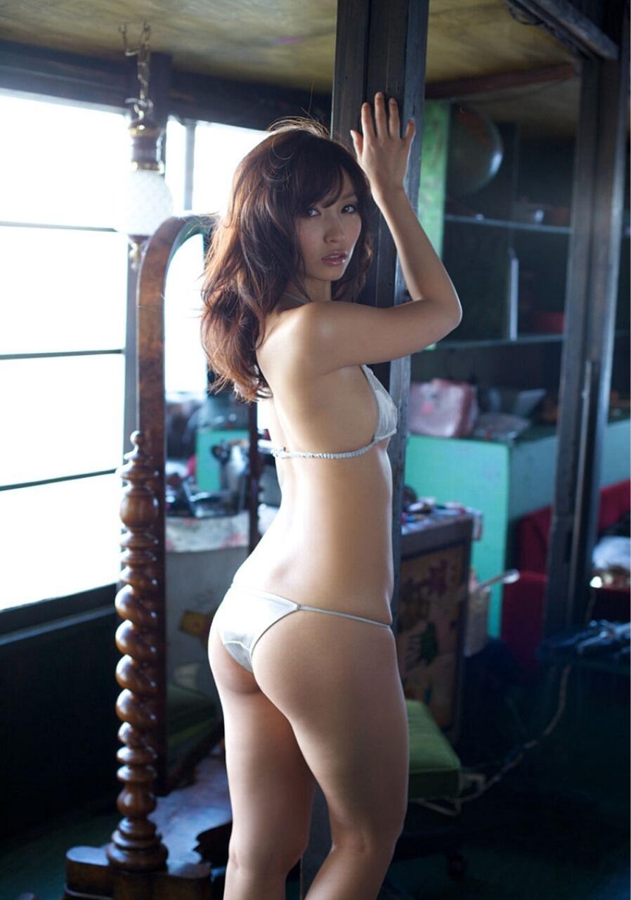 【美尻エロ画像】挿入を求めているのか、叩かれるのを待っているのか、判断に困る美尻www 14