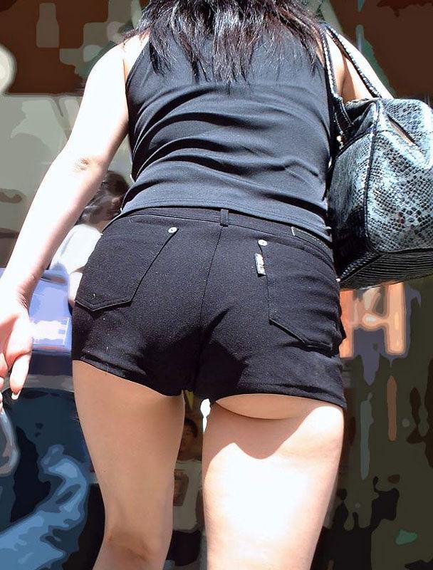 【ホットパンツエロ画像】ケツのキワまで見えているキワキワのホットパンツにヒートアップwww 13