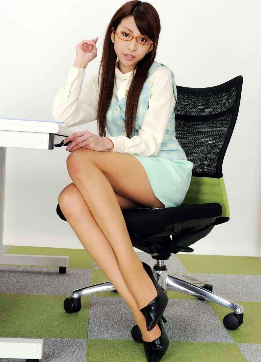 【美脚エロ画像】脚のラインが美しすぎる妖艶で悩ましい美脚の魅力www 09